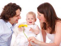 """Warum nun Kinder und Babies """"geimpft"""" werden sollen? Um ihnen zu schaden, sie zu schwächen. Um sie zu töten."""