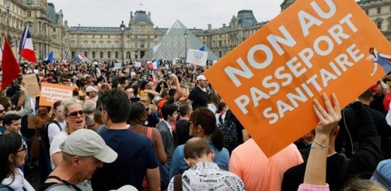 Miles de manifestantes en las calles de varias ciudades francesas contra el pase sanitario