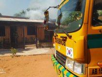 Bomberos controlan incendio en vivienda de Ñemby